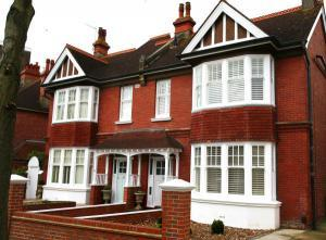 victorian homes with matching shutters