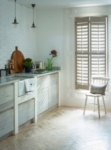 Bright and easy to clean kitchen shutters