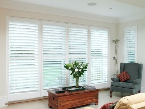 Privacy and light control with lounge shutters
